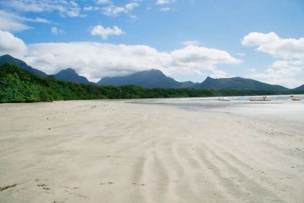 Zoe Bay Beach, Hinchinbrook Island